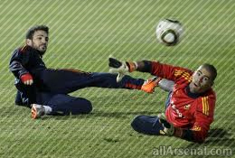 Valdes: Fabregas transfer to be announced within next few hours