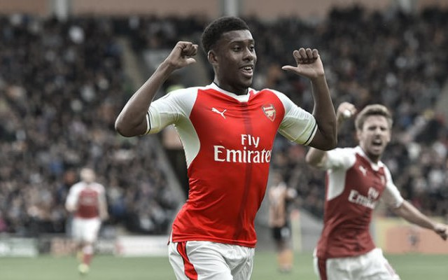 Iwobi Reveals How Sanchez & Ozil Are Helping Him Improve