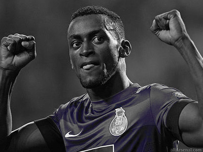 Arsenal send scouts to watch Jackson Martinez