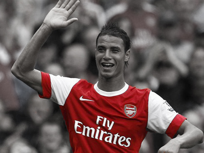OFFICIAL: Chamakh leaves Arsenal permanently