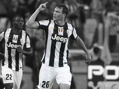 Arsenal scouting Juventus right-back Stephan Lichtsteiner