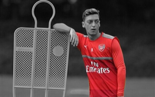 Mesut Özil Gives Update On Last Night's Injury
