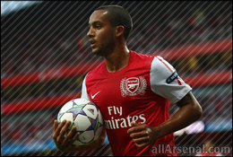 Walcott: van Persie's the best striking partner on the planet!