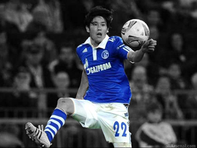 Arsenal prepare move for Schalke right-back Atsuto Uchida