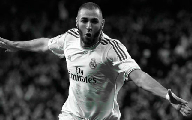 [Image] Benzema No.9 Arsenal shirt printed – fan predicts Karim's arrival