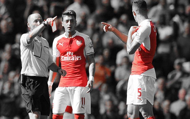 Mike Dean petition exceeds 100,000 signatures, congratulations Arsenal fans
