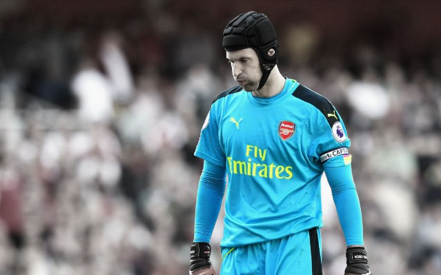 Cech Unhappy With Arsenal Defence After Tottenham Defeat