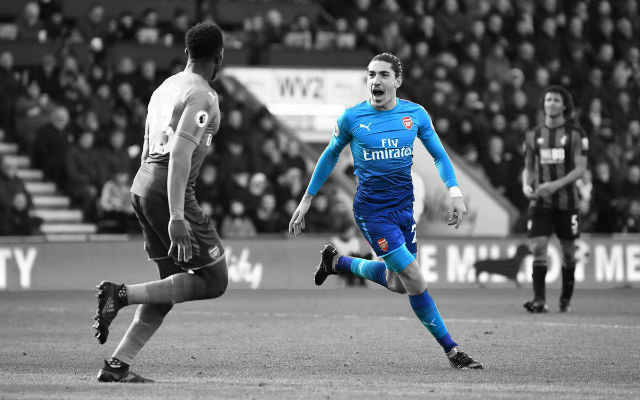 Bellerin Claims There Is No Issue With Ozil Despite On-Field Spat
