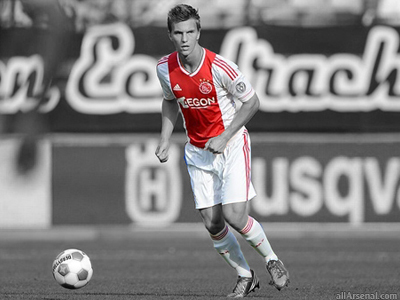 Arsenal set to battle Tottenham for Joel Veltman